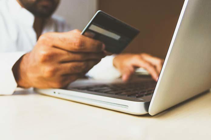 Czy warto wprowadzić płatności online w swoim biznesie?