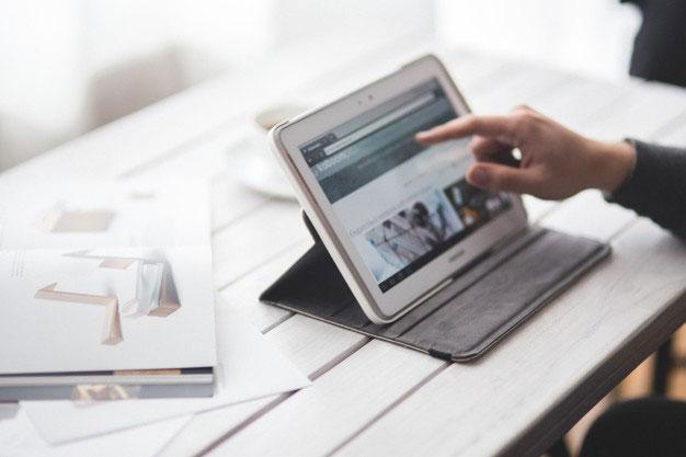 Jak założyć własną stronę internetową